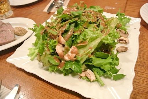 マッシュルームとハーブのサラダ
