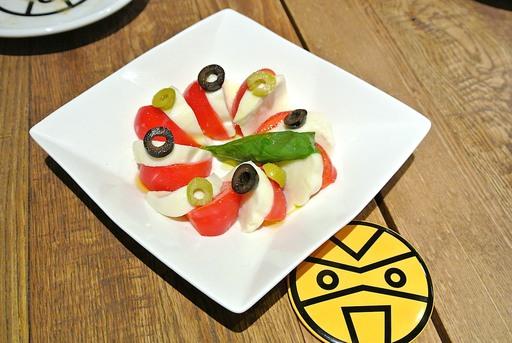 フルーツトマトのプレミアムカプレーゼ