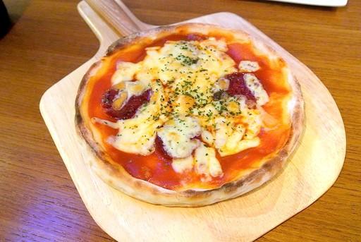 ナポリ風サラミピザ
