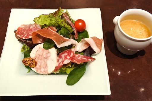グレードアップサラダと七面鳥のスープ