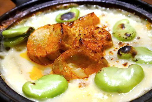 アン肝と空豆のウニ味噌グラタン