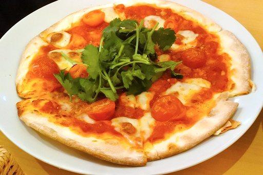 パクチーマルゲリータピザ