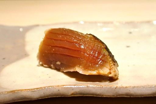 鰹のたたき 目をつむって食べると薬味の味を全部感じる