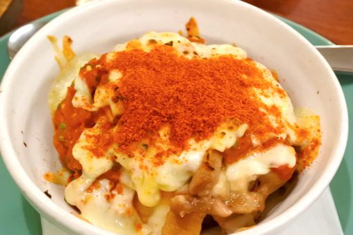 若鶏のホットソース焼き(トマトとチーズ)