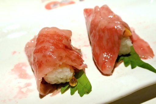 信州牛いくら肉寿司