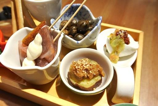 柿と生ハム、むかご、安納芋胡麻肉味噌、ブッファラチーズ