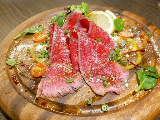 牛肉のパルメザンカルパッチョ~自家製醤油の特製ソース~
