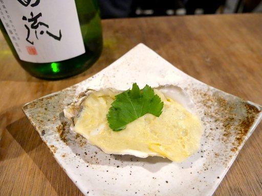 セカウマ蒸したて蒲鉾、牡蠣の煎り酒とともに