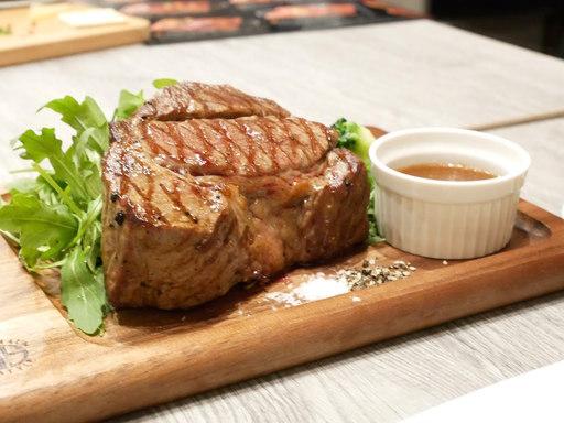 ガツンと!!1ポンド厚切りステーキ