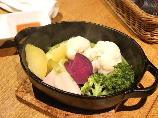 東京野菜の鉄鍋蒸し