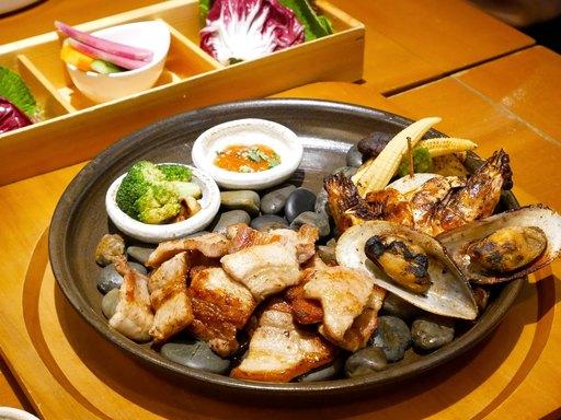 国産サムギョプサルと焼き海鮮・野菜〜葉物野菜付き〜