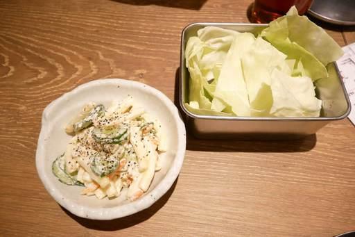 キャベツとマカロニサラダ