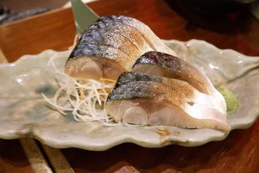鯖の燻製 生ハム造り