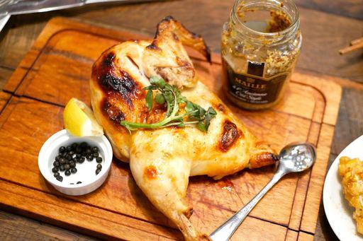ヒナ鶏の石窯焼き