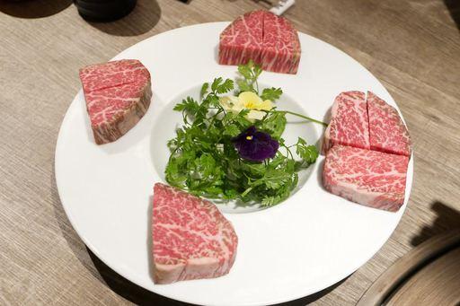 名物ロック肉をシャトーブリアンで