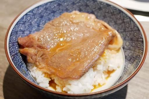 関西風すき焼きに魯山人の隠し玉 近江牛雌 澤井さん30ヶ月のリブロース〜日本一の卵 ビタミンE30倍〜
