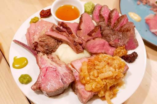 低温調理で仕上げた極上肉盛り合わせ贅沢5種
