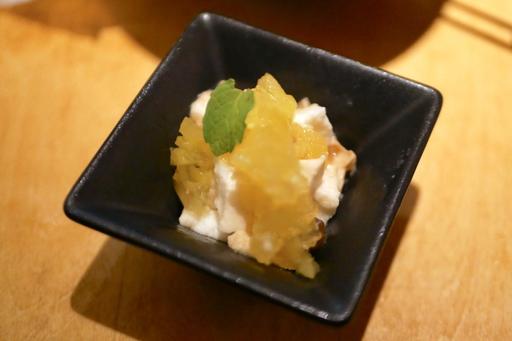 ココナッツムースのパインジュレ