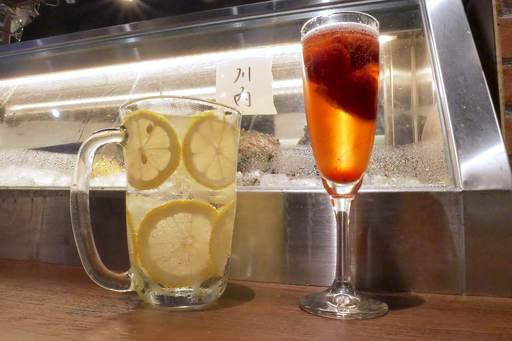 苺スパークリングとレモンサワー