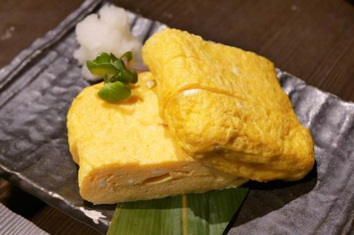 竹鶏卵の出汁巻き