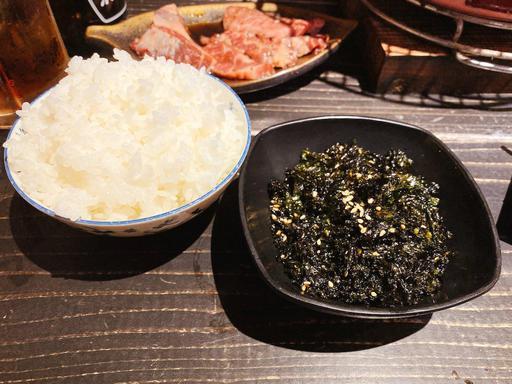 めし(中)、韓国海苔のふりかけ