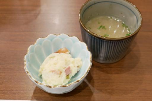 鶏スープ、鶏とワサビのポテトサラダ