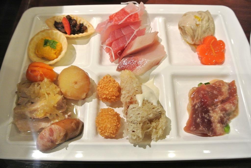 http://dinner.tokyo-review.com/image/DSC_1695.JPG
